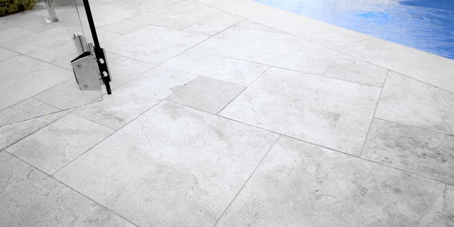 manhattan limestone floors