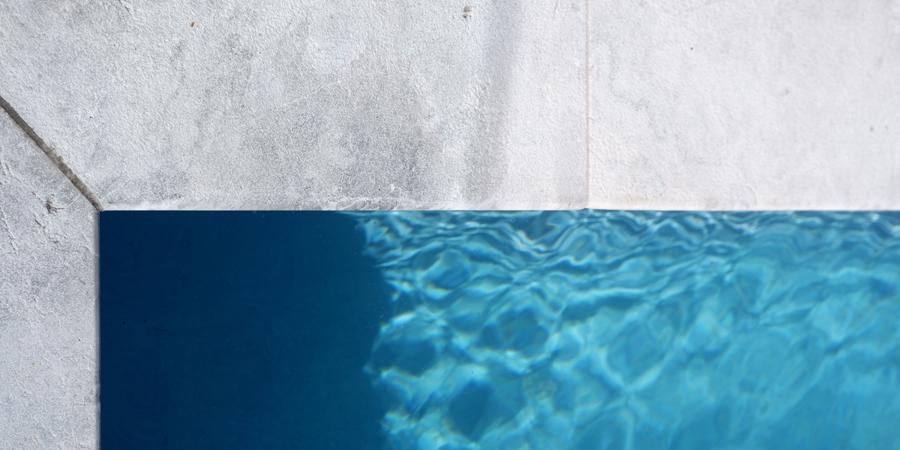manhattan limestone pool coping