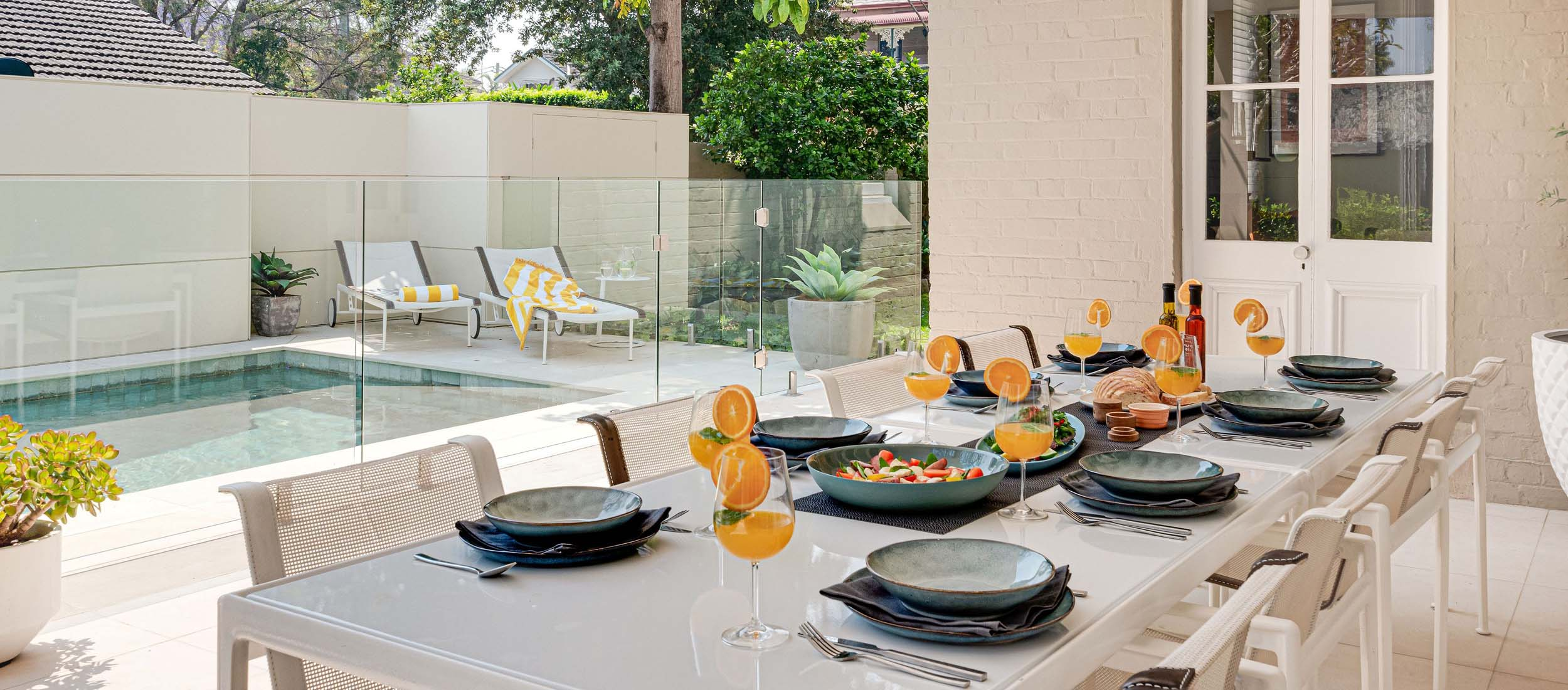 tavira limestone alfresco dining