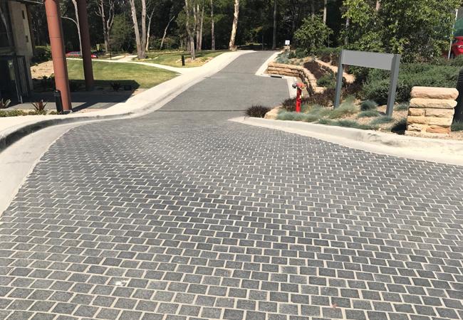 kings school cobblestone driveway