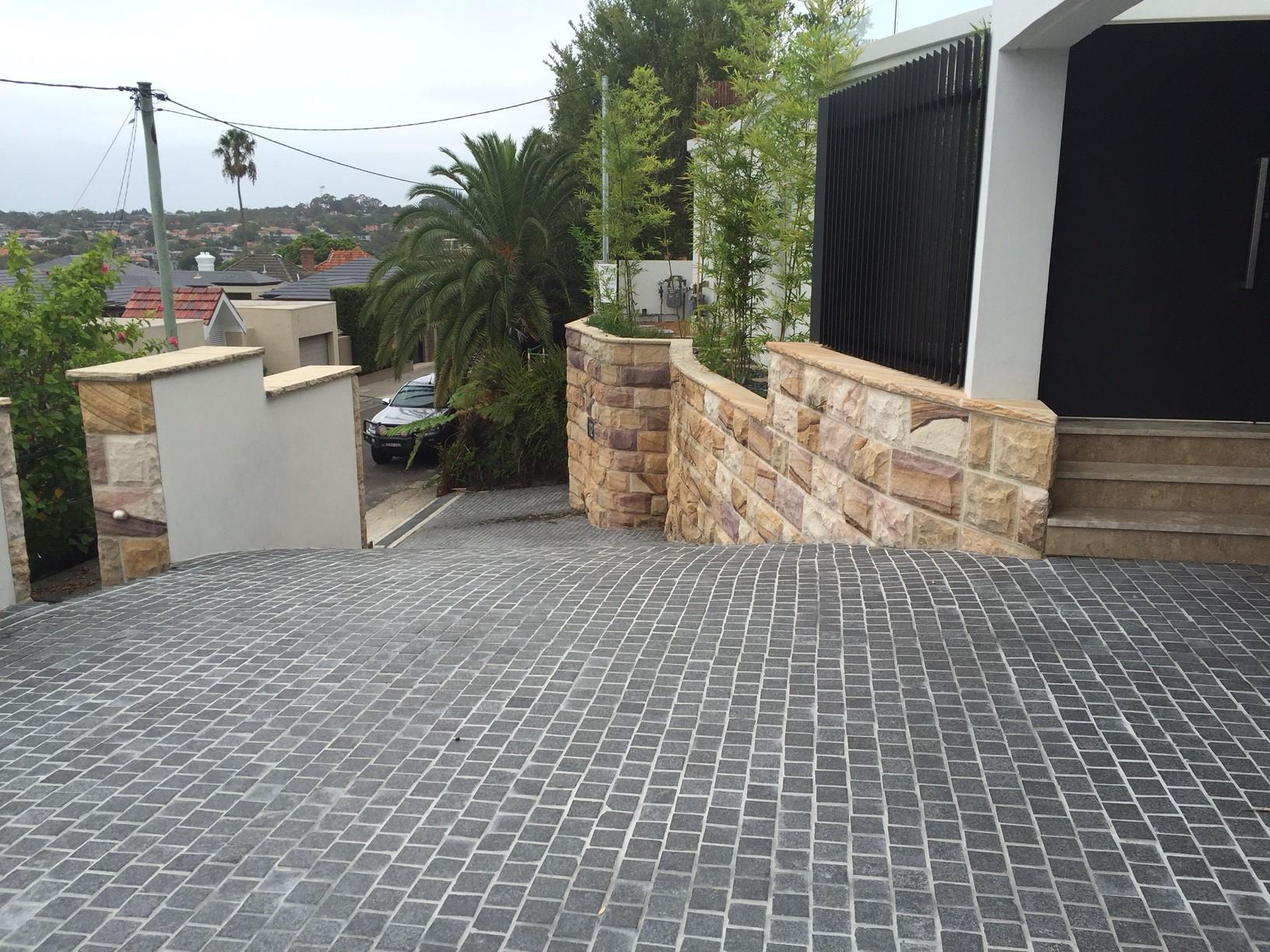 charcoal cobbles driveway