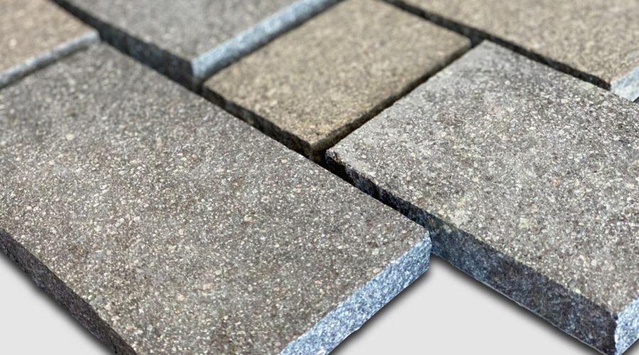 Porphyry Two Tone cobblestones _angled image (2)